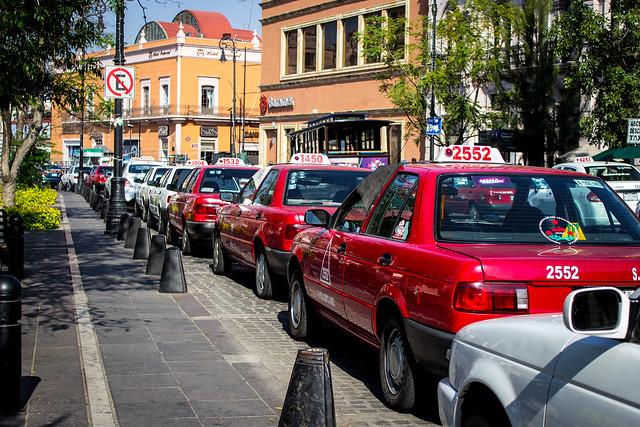 Se han revocado 12 concesiones de taxi otorgadas por CLT