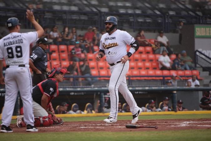 Rieleros derrota 10-7 a los Tecolotes para quedarse con la serie