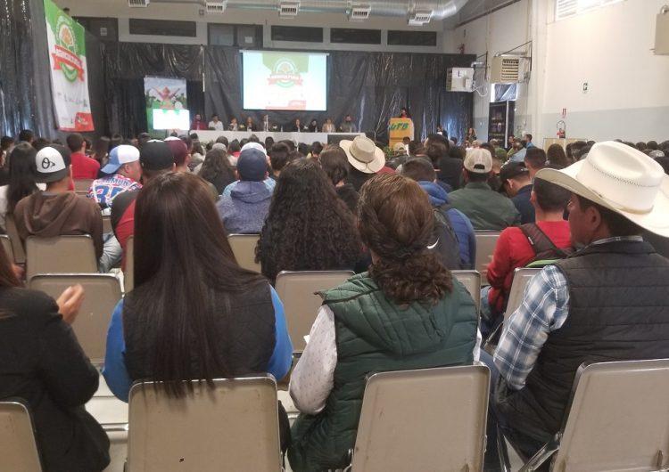 Exitoso cierre de congreso de agricultura en Namiquipa
