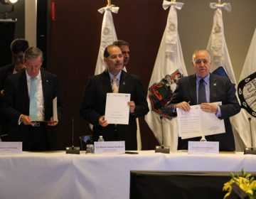 Firman gobernadores acuerdo por la paz laboral en México