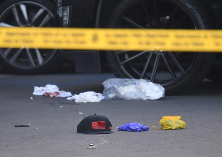 Hussle, de 33 años, fue baleado de cerca distancia frente a su propia tienda de ropa en la tarde del domingo. Foto: AFP