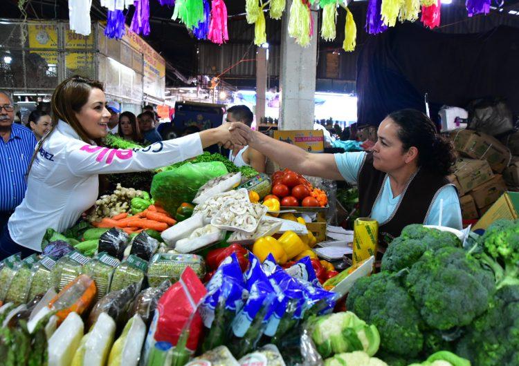 Tere Jiménez propone continuar con la mejora del Centro Comercial Agropecuario