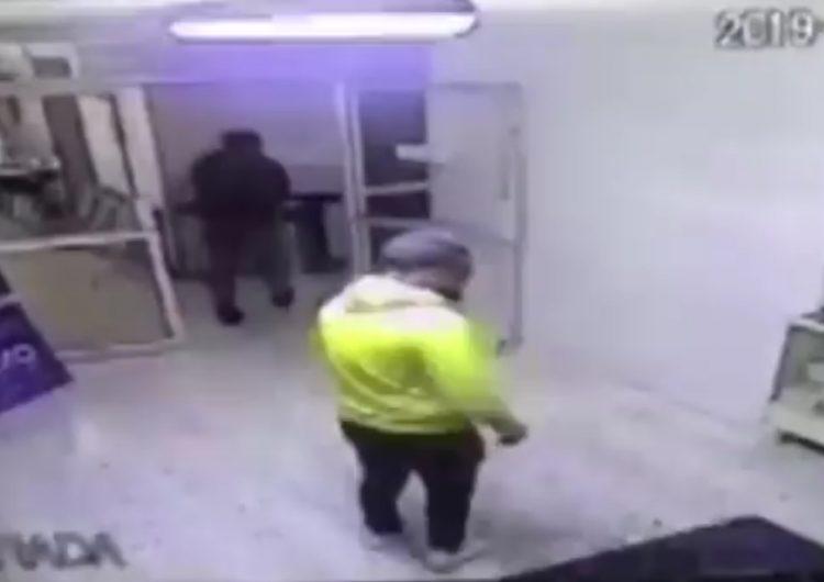 Asaltantes encierran a personal de hospital en un cuarto y se llevan el dinero