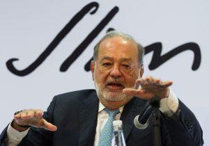 Slim encabeza la lista de Forbes como el más rico de México, pero con una fortuna menor