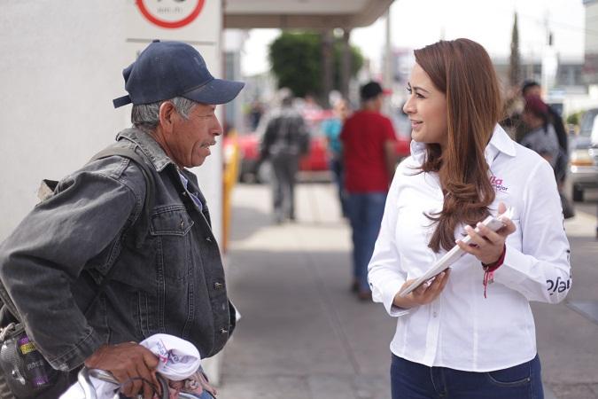 Promete Tere Jiménez proyectos sensibles para la población necesitada