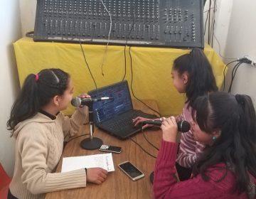 Abren estudiantes estación de radio en la Sierra; tramitan permiso