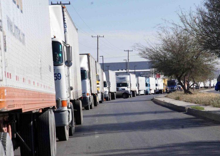 Aún retrasado cruce a EU para transportistas