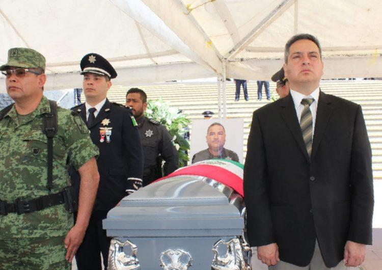 Despiden con honores a policía caído en San Juanito