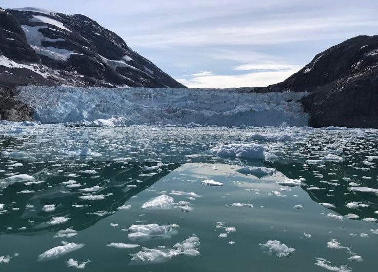 Científicos advierten que la capa de hielo de Groenlandia se está reduciendo rápidamente