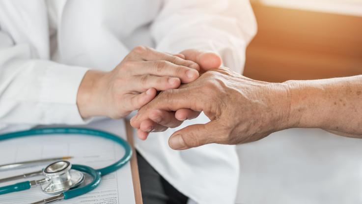¿Estás en riesgo de padecer la enfermedad de Parkinson? Estas cuatro señales podrían ayudar a detectarlo