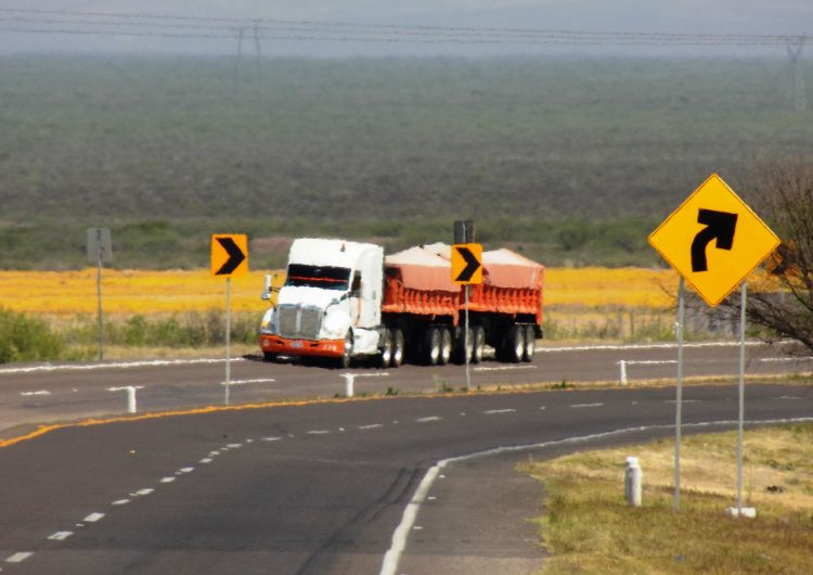 Rehabilita Fideicomiso Carretero autopista Jiménez-Savalza