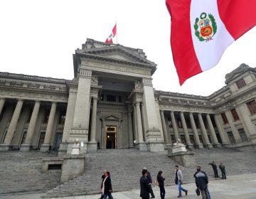 Detienen a dos futbolistas profesionales de Perú acusados de violar a una mujer