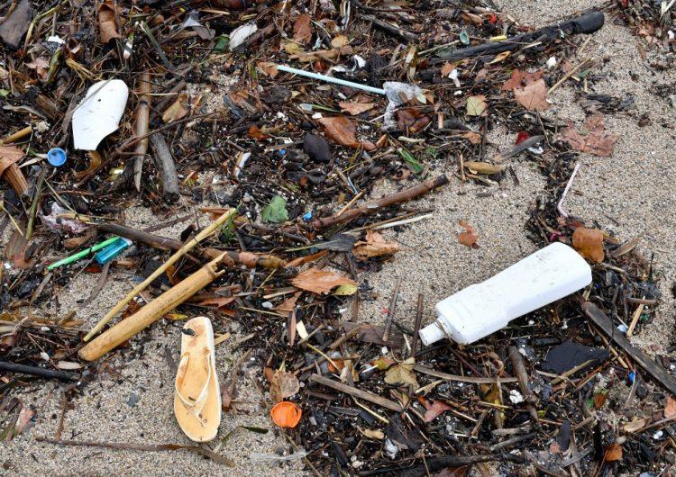No más plástico ni unicel en Europa: Prohíben popotes, platos y cubiertos desechables para 2021