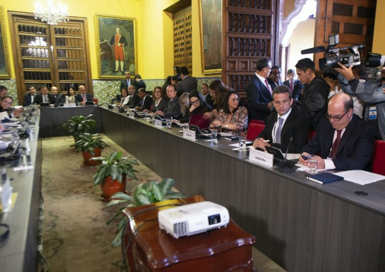 Mientras Grupo Lima hace reunión de emergencia por crisis en Venezuela, Guaidó llama nuevamente a marcha