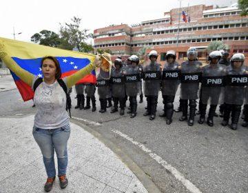 Más de 2,000 personas han sido detenidas en Venezuela por protestar