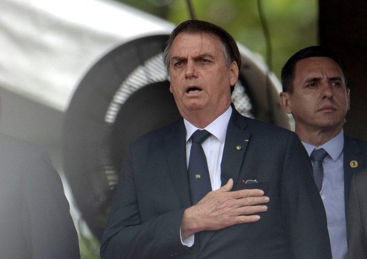 La justicia de Brasil ordena a Bolsonaro explicar decreto que autoriza portar armas