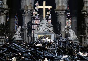 El exceso de plomo tras incendio en Notre Dame puede perjudicar la salud, según ONGs