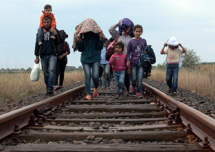"""Autoridades de EU denuncian uso de """"familias falsas en la frontera """" para lograr ventajas migratorias"""