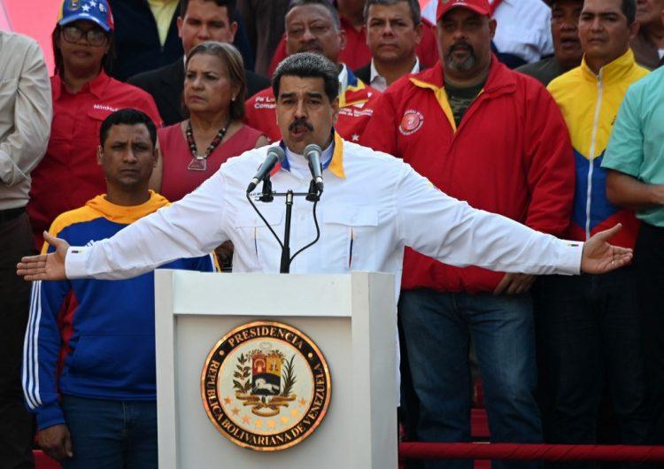 """Venezuela invertirá en Huawei, compañía víctima de una """"tremenda agresión"""", según Maduro"""