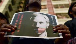 EU va contra Assange: Lo acusa de poner en riesgo…