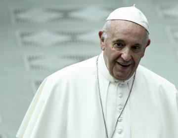"""El papa compara realizar un aborto con un """"asesinato a sueldo"""""""
