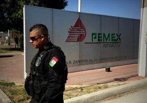 Manipular tomas clandestinas de Pemex y ocultar evidencia: Las acusaciones contra el general Trauwitz