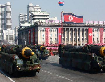 """Corea del Norte sorprende al mundo con nuevos lanzamientos de misiles; Trump dice que observa """"seriamente"""""""
