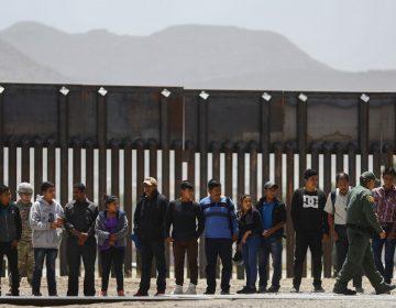 EU instalará a 7,500 migrantes en casas de campaña ubicadas en la frontera con México