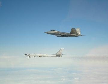 EU afirma que sus cazas interceptaron bombarderos rusos frente costa de Alaska