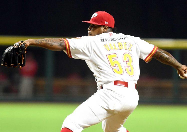 Se une a Rieleros José Valdez como pitcher