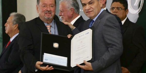 Preparan pacto entre empresarios y estudiantes de Coahuila; los ayudará a conseguir trabajo