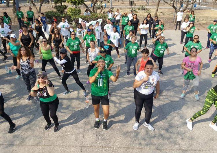 En medio de una activación física, Nathanael Saucedo hace su cierre de campaña