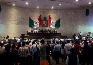 Sanciona Morena a 16 diputados de Oaxaca y los suspende