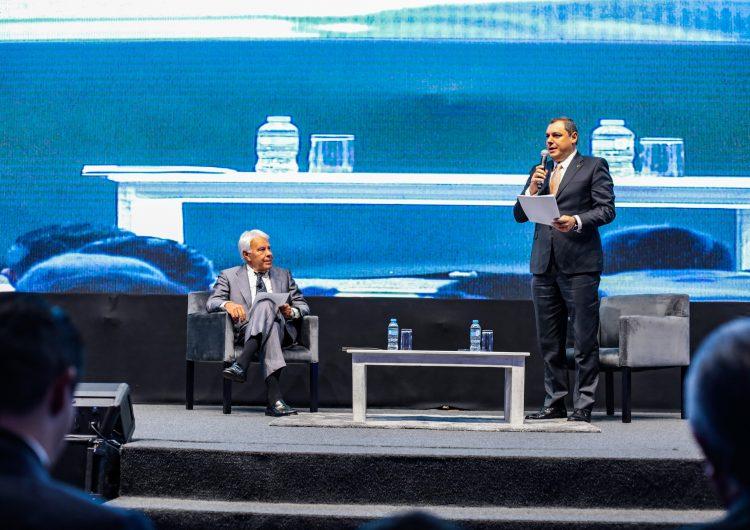 México debe comprometerse más con Latinoamérica, dice el expresidente de España Felipe González