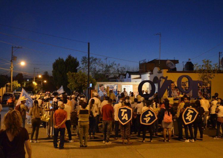 Propone Toño Arámbula se pavimenten las calles de Jesús María con ecoconcreto