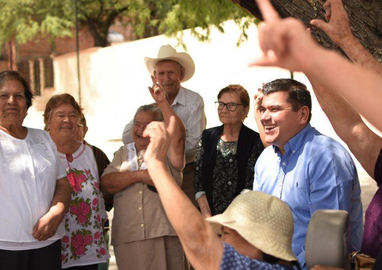Adultos mayores en Calvillo serán la prioridad de Adán Valdivia