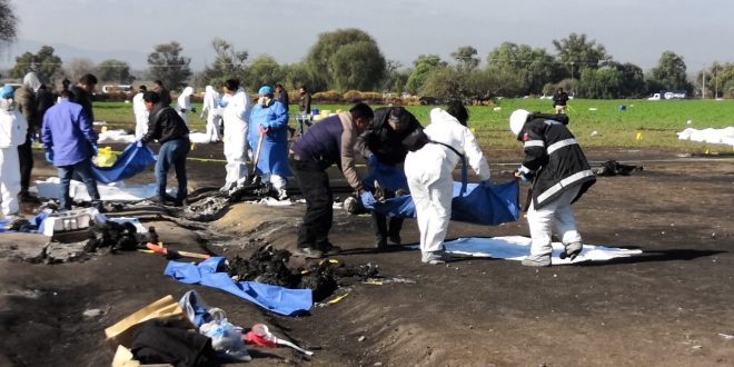 Suman 137 muertos; eran 69 restos en el predio de Tlahuelilpan