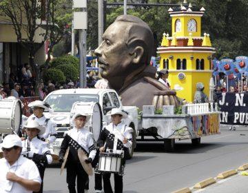 Poblanos disfrutan del Desfile del 5 de Mayo