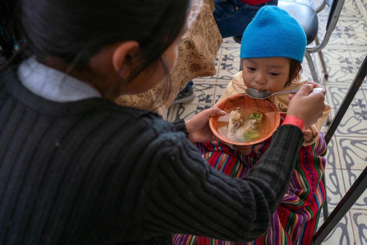 Crisis en la frontera México-EU: así trabajan voluntarios y ONG para ayudar a migrantes