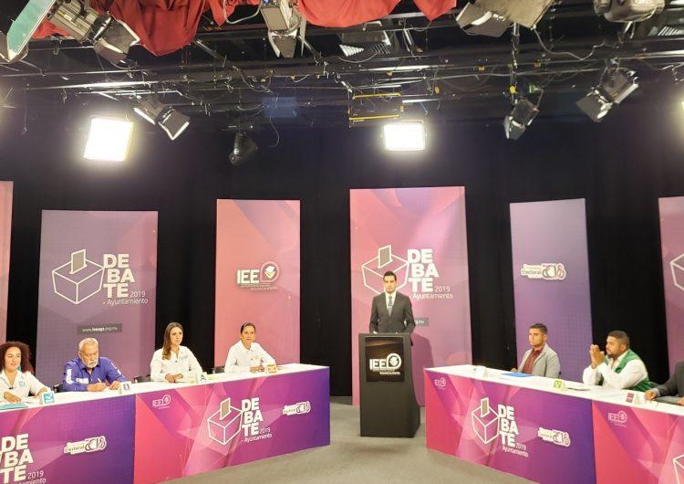 Toño Arámbula se posiciona como ganador en el debate entre candidatos a la alcaldía de Jesús María