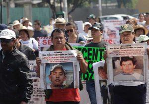 """Marchan por los """"desaparecidos"""""""