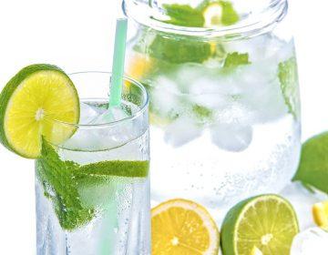 Tomar líquidos y cubrir ventanas, recomendaciones para sobrevivir al calor