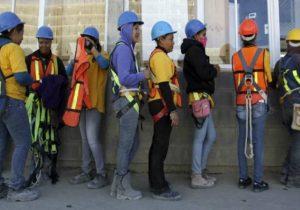 Crean grupo para revisar cambios a reforma laboral