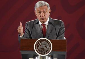 Trump pide acciones, no pláticas con México; AMLO apela a la amistad entre países