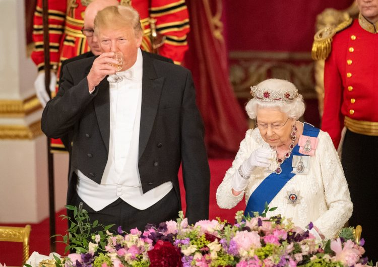 """Exfotógrafo de Obama """"se burla"""" de Trump en su visita en Reino Unido"""