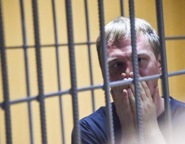 """Golunov, el periodista ruso acusado de narcotráfico que obtuvo su libertad tras movilización """"histórica"""""""