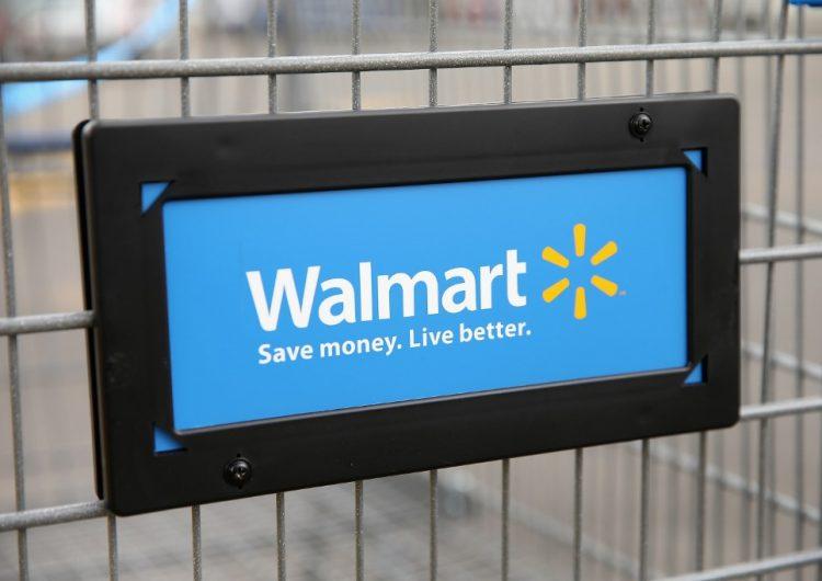 EU multa a Walmart por dar sobornos en México y otros países