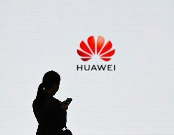 Empresas tecnológicas brincan prohibición de Trump y venden productos a Huawei: NYT