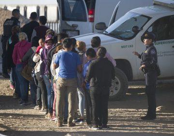 Autoridades de EU arrestan a más de 500 migrantes en dos días