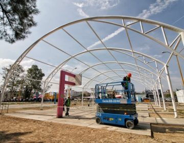 Instalan velarias en espacios públicos de Aguascalientes